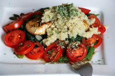 Quinoa je jednou z najzdravších potravín na svete. Caprese Salad, Wok, Bruschetta, Quinoa, Good Food, Food And Drink, Fish, Ethnic Recipes, Pisces