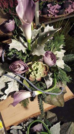Vence, Funeral Flowers, Ikebana, Plants, Vintage, Home Decor, Floral Arrangements, All Saints Day, Decoration Home