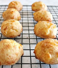 Keto and low carb fathead dough recipes. Inspiration for how to enjoy this verstaile keto dough on the Ketogenic diet. Keto Biscuits, Keto Pancakes, Sausage Biscuits, Banana Pancakes, Ketogenic Recipes, Low Carb Recipes, Cooking Recipes, Lchf Recipes Lunch, Vegan Quesadilla