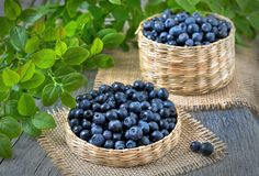 Because they are low in sodium and contain magnesium, potassium and calcium, blueberries can help lower blood pressure. Fruit Nutrition, Flan, Blackberry, Canning, Vegetables, Health, Blueberries, Blood Pressure, Pictures