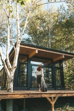 Contemporary, sustainable, and luxurious - this Scandinavian inspired cabin in the woods is the perfect escape from the city life - isolated with everything you need Tiny House Cabin, Cabin Homes, Cabin Design, Tiny House Design, Design Design, Cabins In The Woods, House In The Woods, Contemporary Cabin, Small Modern Cabin