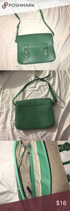 Green Purse New , never been used PINK Victoria's Secret Bags