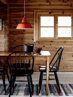 Chalet Interior, Nordic Interior, Small Space Design, Cottage Living Rooms, Cabin Interiors, Cabin Design, Scandinavian Interior, Log Homes, Modern Decor