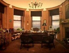 Photo of Kip's Castle interior from Viviun.com