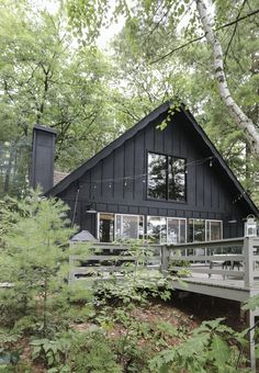 Black Exterior Paint on the Cabin! Black Exterior Paint on the Cabin! Cabin Exterior Colors, Mountain Home Exterior, Black House Exterior, Rustic Houses Exterior, Cottage Exterior, Exterior Siding, Exterior Paint, Cabin In The Woods, Cottage In The Woods