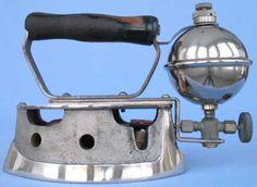 Antique Iron, Vintage Iron, Gas Lanterns, Spiritus, Iron Board, Silver Paint, Old Tools, Vintage Theme, Small Appliances