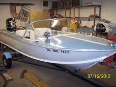 Vintage Sled, Vintage Boats, Cabin Cruiser Boat, Old Boats, Aluminum Boat, Water Toys, Starcraft, Speed Boats, Motor Boats