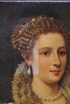 Hidden away: The portrait had been in storage at the Carnegie Museum of Art, and curator L...PRUEBAS DE SOLUBILIDAD
