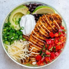 { Delicious Meal Prep Bowl idea coming at you now! always wins over relying on…Grilled Chicken Burrito Salad Bowls 🌱 . { Delicious Meal Prep Bowl idea coming at you now! always wins over relying on… Lunch Meal Prep, Meal Prep Bowls, Healthy Meal Prep, Healthy Dinner Recipes, Healthy Snacks, Healthy Eating, Keto Recipes, Keto Meal, Paleo Diet