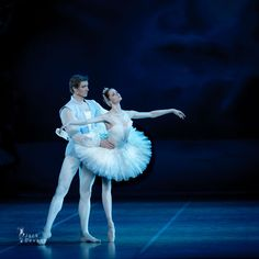 Alena Shkatula as Odette and Denis Klimuk, Swan Lake