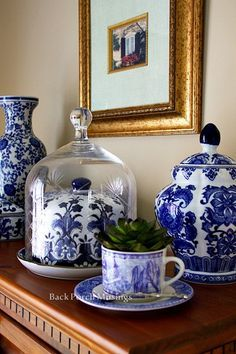 🌟Tante S!fr@ loves this📌🌟shades of blue decor Blue Dishes, White Dishes, Blue And White China, Blue China, Cosy Home, Blue Pottery, Chinoiserie Chic, Blue Rooms, Ginger Jars