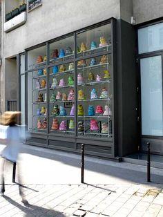 paris cake window display @ galerie laurent godin