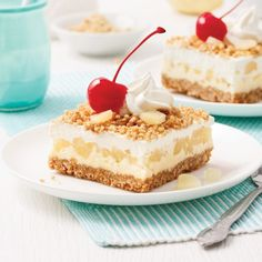 Carrés aux ananas Margarita Pie, Biscuits Graham, Icebox Desserts, Desserts With Biscuits, Pineapple Recipes, Food Wishes, Cold Meals, Dessert Bars, Vanilla Cake