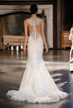 Brides.com: The Best Wedding Dress Backs from the Fall 2015 Runways%0AWedding dress by LazaroPhoto: George Chinsee