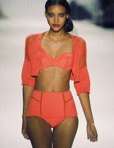 WANT this swim suit.