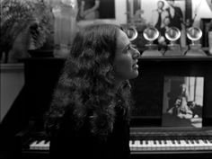 Carole King Courtesy of Lou Adler Ode Sounds & Visuals Collection Photo: Jim McCrary Lou Adler, Carole King, Damsel In Distress, Single Women, Long Hair Styles, Female, Lady, Music, Musica