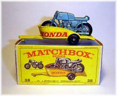Matchbox Honda Motorcycle & Trailer - I still have mine! Vintage Toys 1960s, Retro Toys, Toy Model Cars, Corgi Toys, Hobby Toys, Mercedes Benz, Volkswagen, Matchbox Cars, Automobile