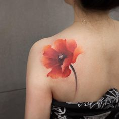 Watercolor Tattoos Will Turn Your Body into a Living Canvas - diy tattoo project Tattoo Aquarelle, Watercolor Poppy Tattoo, Aquarell Tattoos, Poppies Tattoo, Red Poppy Tattoo, Diy Tattoo, Tattoo Henna, Tattoo Fonts, Tattoo Quotes