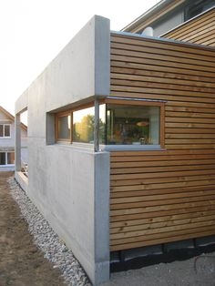 architectoo Karlsruhe: Wohnhaus Braun, Gaggenau-Oberweier Extension Veranda, Timber Cladding, House Extensions, Wood Construction, Architecture Details, Exterior Design, My House, Sweet Home, New Homes