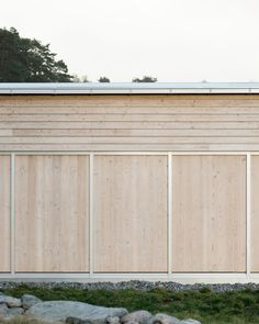 Image 3 of 10 from gallery of Enen House / Sjöblom Freij Arkitekter. Courtesy of Sjöblom Freij Arkitekter Building Facade, Space Architecture, Home Additions, Cladding, Hygge, Interior And Exterior, Gallery, Wood, Outdoor Decor
