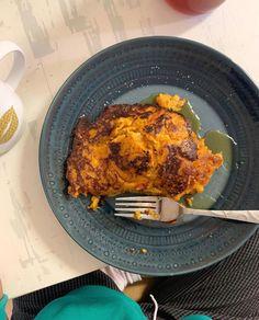 Sweet potato and baked apple slices pancake Baked Apple Slices, Baked Apples, Nutritious Meals, Sweet Potato, Pancakes, Pregnancy, Pork, Potatoes, Meat