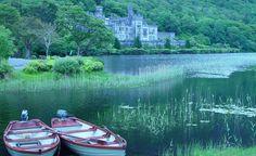 """Kylemore Abbey in Ireland."""