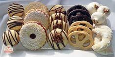 Hasznos cikkek és receptek: ÜNNEPI APRÓSÜTIS RECEPTCSOMAG Hungarian Recipes, Doughnut, Biscuits, Bakery, Recipies, Food And Drink, Easter, Sweets, Cookies