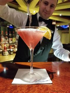 Caribbean Sunset Martini Recipe – Tammilee Tips Holiday Drinks, Party Drinks, Summer Drinks, Fun Drinks, Alcoholic Drinks, Beverages, Bomb Drinks, Winter Drinks, Mixed Drinks