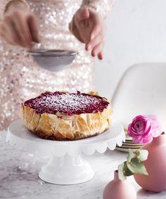 Vegaaninen juustokakku New York Cheese Cake -tyyliin Vegan Cheesecake, Piece Of Cakes, Delicious Vegan Recipes, Plant Based Diet, Vegan Food, Margarita, Camembert Cheese, Sweets, Ethnic Recipes