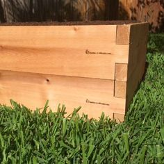 Garden beds are a great way to grow a garden, though many of us still use traditional construction styles with nails and screws that are restrictive to future garden expansion. We could be more forward thinking and make modular garden beds so they grow with us. This post explains the difference between traditional raised beds and modular design.