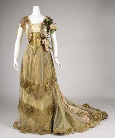 Ball gown  Designer: Driscoll (American, founded ca. 1864) Date: ca. 1900 Medium: silk, metallic thread, glass