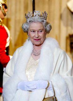 Queen State Diadem Rei George, George Vi, Royal Tiaras, Royal Jewels, Queen Elizabeth Ii Crown, City Of London, Herzogin Von Cambridge, Queens Tiaras, Isabel Ii
