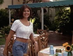 21 Style Lessons From 'Beverly Hills 90210' That Still Influence Fashion Today — PHOTOS | Bustle