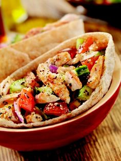 Slow-cooker Greek Chicken Pita Folds and other delicious crock pot recipes- i love pitas! Crock Pot Recipes, Slow Cooker Recipes, Chicken Recipes, Cooking Recipes, Healthy Recipes, Healthy Foods, Yummy Recipes, Crockpot Meals, Cooking Tips