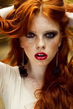 red head with 'racoon eyes' - she needs to know about JFR (just for redheads!)