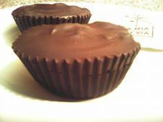 Συνταγές για διαβητικούς και δίαιτα: ΣΟΚΟΛΑΤΕΝΙΟ ΚΑΛΑΘΑΚΙ ΓΕΜΙΣΤΟ...χωρίς καθόλου ζάχαρ... Healthy Sweets, Healthy Dessert Recipes, Diabetic Recipes, Cheesecake Cupcakes, Cheesecake Brownies, Sweet Corner, Low Carb Desserts, Greek Recipes, How To Stay Healthy