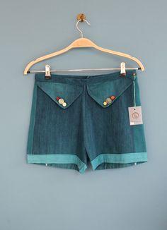 Button Shorts von Mainseam Recycled Fashion auf DaWanda.com