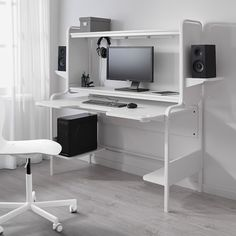 How do you make the perfect gaming station? That's what we set out to do with FREDDE desk by researching competitive gaming and enlisting a gamer designer of our own. Ikea Gaming Desk, Gaming Desk White, Ikea Desk, Gaming Room Setup, White Desks, White Desk Setup, Computer Desk Setup, Gaming Rooms, Pc Desk
