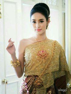136 Best Thai girl images in 2019   Thai dress, Thai traditional