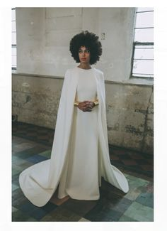 Solange Knowles (Ferguson) say I-Do with a huge curly fro! She was absolutely beautiful! On Sunday, November Solange Knowles (Ferguson) age Solange Knowles Wedding, Celebrity Weddings, Celebrity Style, Wedding Jumpsuit, Wedding Dress Pictures, Wedding Photos, Wedding Ideas, Wedding Trends, Trendy Wedding