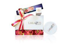 Great feel, colors and general aesthetic for this collection by Laqa & Co. Packaging Ideas, Gift Packaging, Design Awards, Design Trends, Nail Polish Pens, Packaging Design Inspiration, All Things Beauty, Presentation, Gift Wrapping