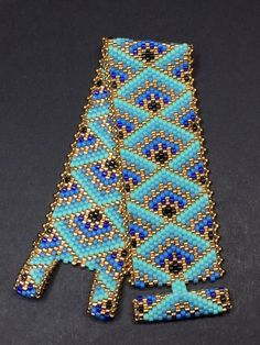 PATTERN - Single Peyote - Decorative Boxes Bracelet - Rita Getlan Krasik - Welcome to the World of Decor! Diy Bracelets To Sell, Bead Loom Bracelets, Beaded Bracelet Patterns, Bead Loom Patterns, Peyote Patterns, Miyuki Beads, O Beads, Loom Bands, Beaded Bracelets