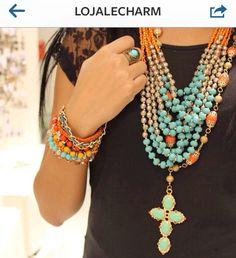 Colares e pulseiras em turquesa e laranja By Le Charm Bijoux