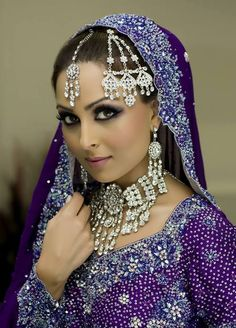 Suggestive of a feminine mystique. But Indian women are still so vulnerable to male violence it seems Indian Wedding Outfits, Indian Outfits, Indian Clothes, Indian Weddings, Beautiful Bride, Beautiful People, Gorgeous Eyes, My Unique Style, South Asian Bride