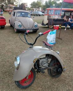 We offer private transfer and custom-made tours in the city of Cusco and Sacred Valley on board of our Vintage Vw bus. Mini Bike, Mini Moto, Volkswagen, T3 Vw, Triumph Motorcycles, Cars And Motorcycles, Custom Motorcycles, Motorcycle Design, Motorcycle Bike