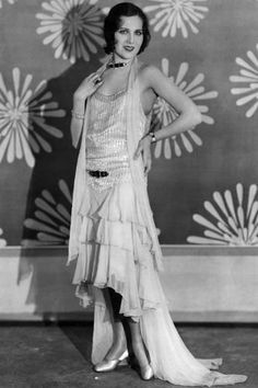 Style icons of the 1920s - Fay Wray  Best remembered as the wide-eyed blonde heroine of King Kong, a teenage Fay Wray signed up to Paramount Pictures in the '20s and at the time, personified the vibrant flapper style.