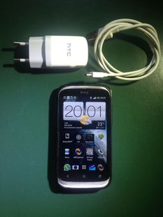 HTC Desire X - Libre - Free / + Cable de datos + cargador de pared