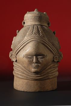 Mende female helmet mask (Zogbe)    The Danford Collection of West African Art and Artefacts, Research and Cultural Collections, University of Birmingham
