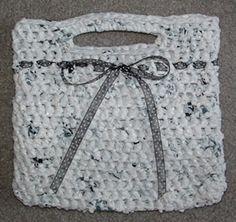 Aprende a reciclar las bolsas de las compras 5