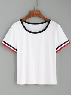 To find out about the Striped Trim Ringer Tee at SHEIN, part of our latest T-Shirts ready to shop online today! Crop Top Et Short, Long Sleeve Crop Top, Crop Top Und Shorts, Pretty Outfits, Cute Outfits, Mein Style, Striped Crop Top, Striped Style, Looks Cool